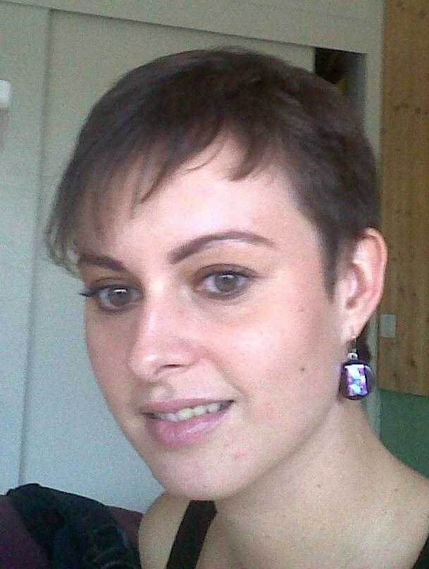 Cheveux court grosse tete emilylusitan blog for Coupe de cheveux ideale grosse tete