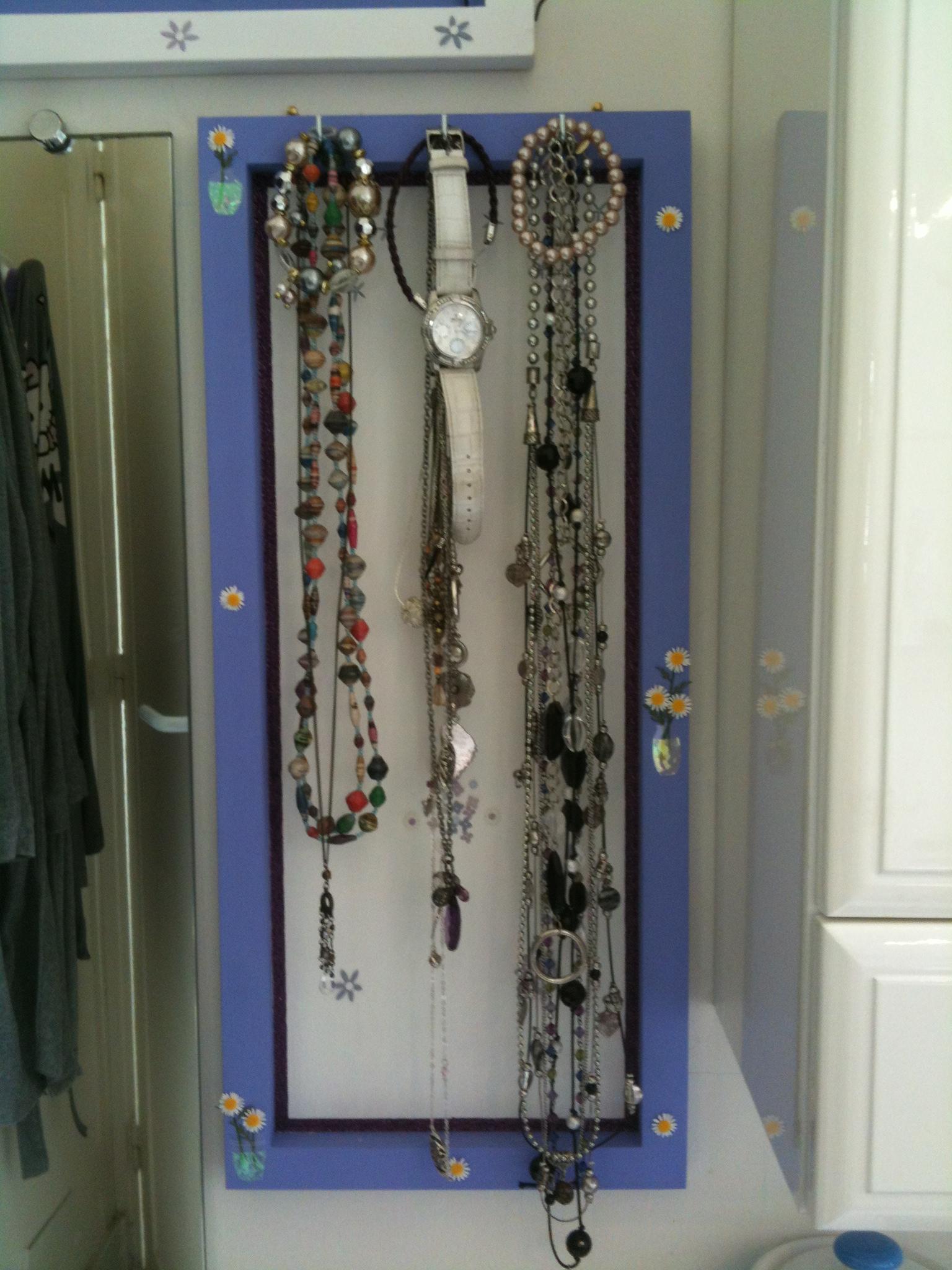 Comment fabriquer un porte bijoux fashion designs - Fabriquer porte collier ...
