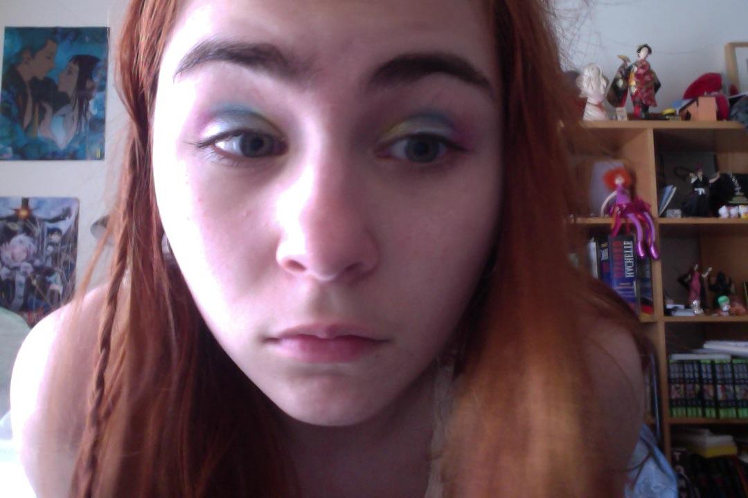 et tu me donne vraiment envie de tout acheter alors bonne journe et bientt ps en prime une photo de mes jolis sourcils - Coloration Sourcils Noir