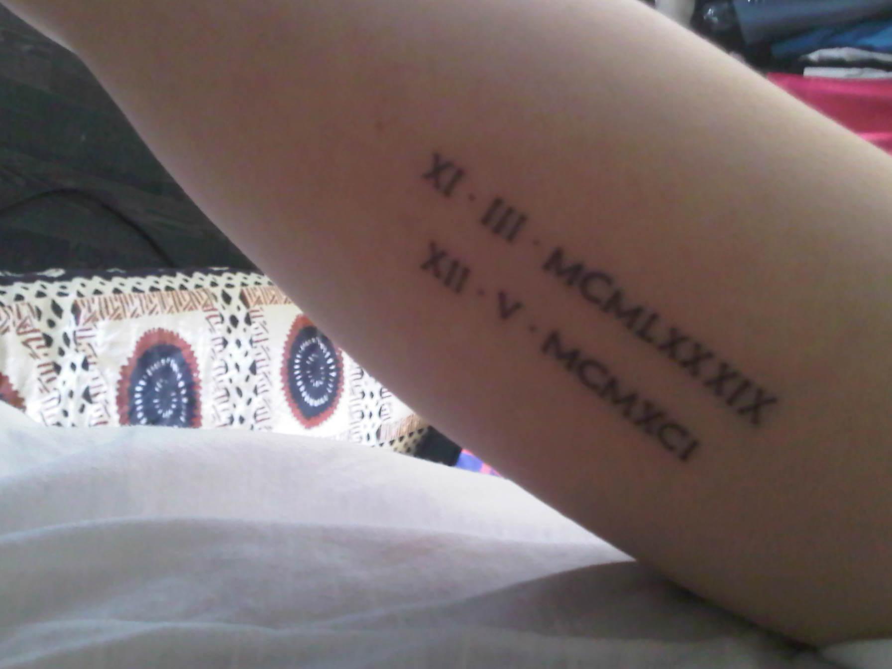 tatouage poignet initiale photo perfect signe de luinfini