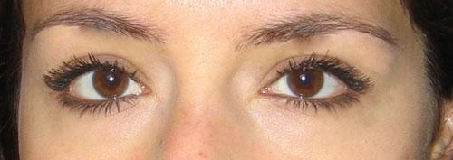 adelaide-sourcils.jpg