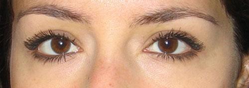 J\u0027aime beaucoup ce maquillage car il accentue mes origines libanaises. Mais  je trouve que le mascara se voit beaucoup et je me demande si ça ne fait  pas