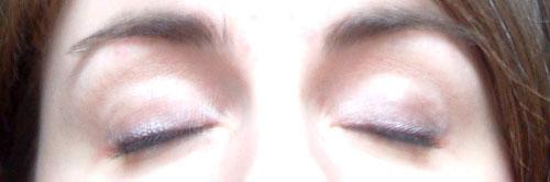Adeline du Nord avec MU yeux fermés - adeline