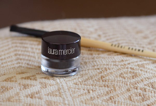 sourcils laura mercier
