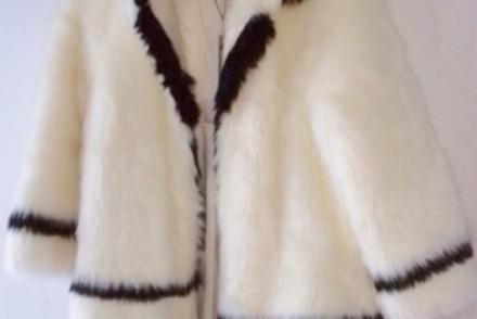 manteau-fourrure-h-et-m-blanc-et-noir
