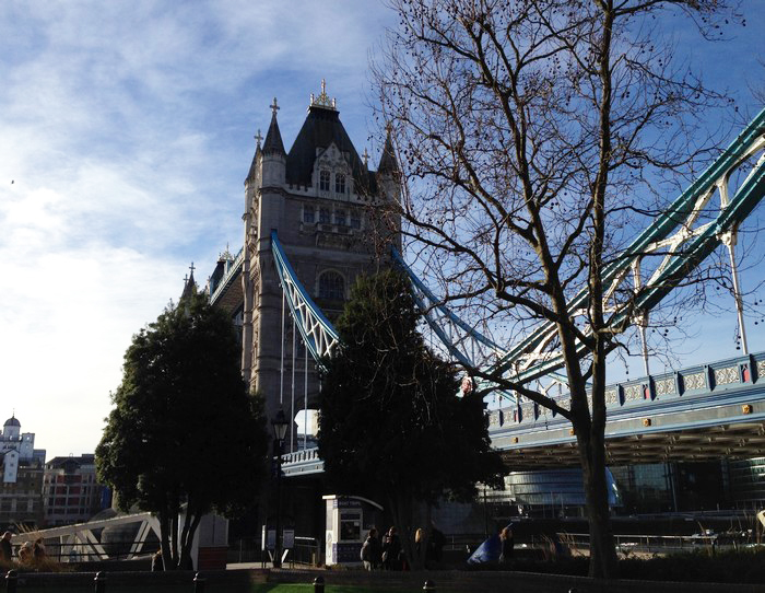 londres_starbucks_tower_bridge
