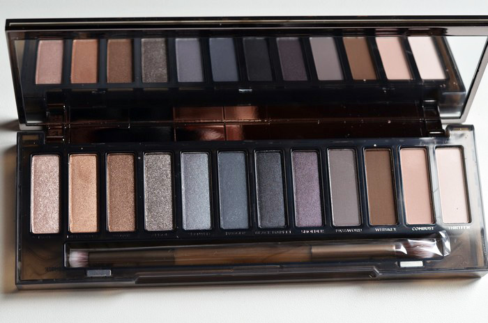 urban_decay_naked_smoky4